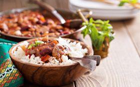 Карри из овощей и шампиньонов с рисом