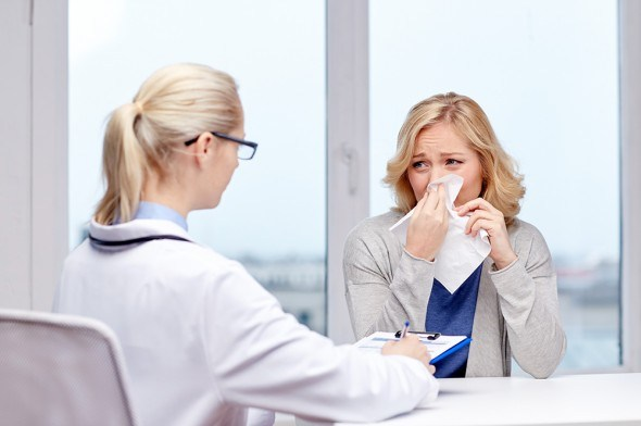 Девушка доктор больница грипп