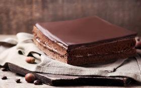 Черный бриллиант с шоколадом (квадратный шоколадный торт)