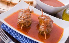 Мясные рулеты в томатном соусе