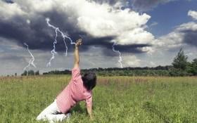 Живые мишени: почему убивают молнии и как защититься в грозу