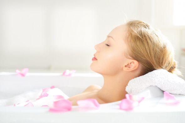 Ванна с аромамаслами поможет расслабиться и поднять настроение