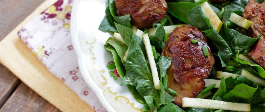 Салат из куриной печени и шпината